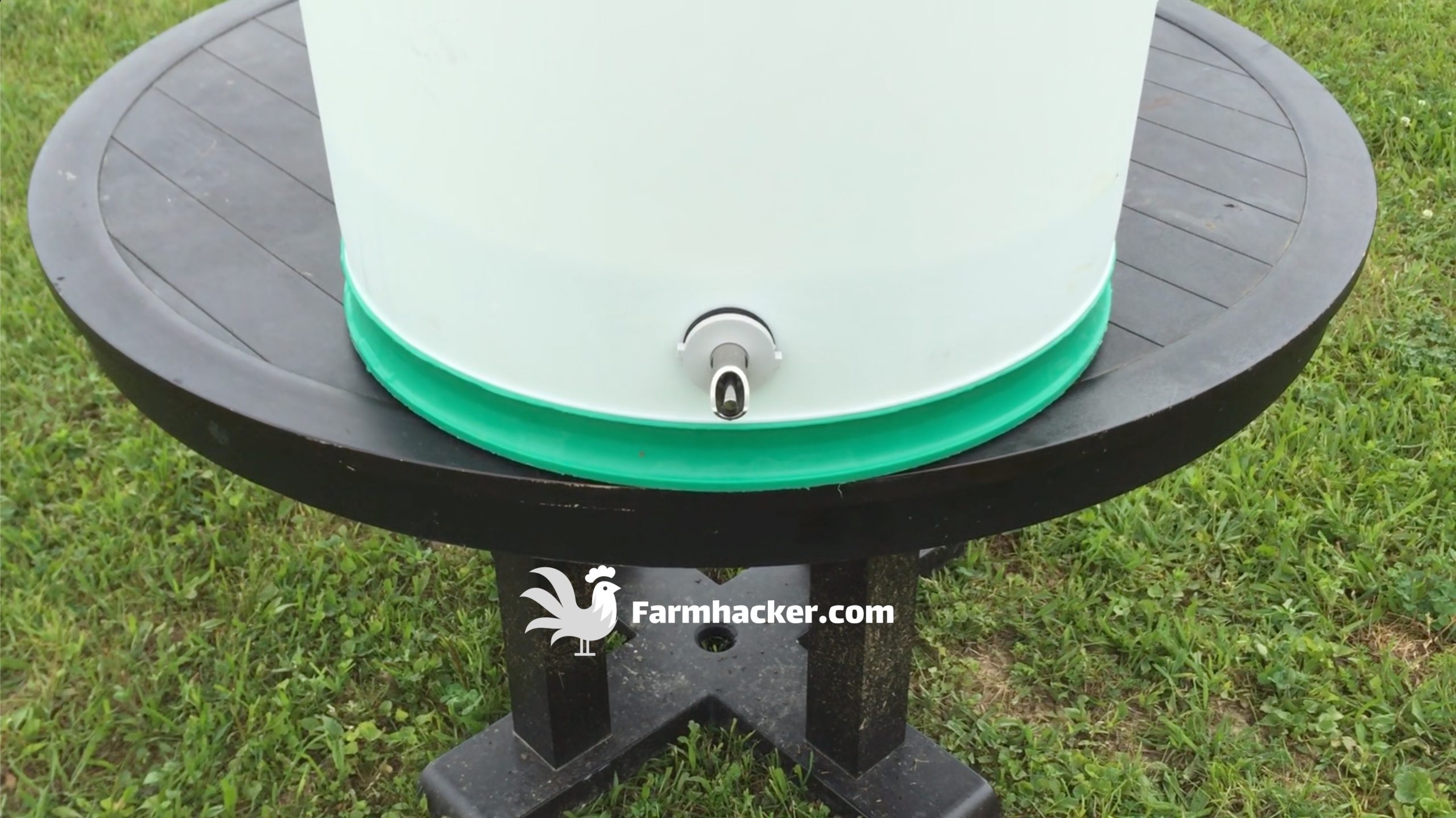 How to Make an Automatic Pig Waterer Drinker Nipple Installed