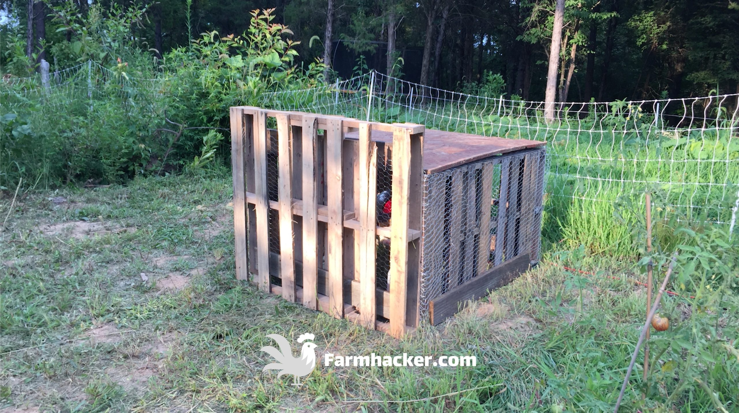 How to Build a Chicken Brooder out of Pallets